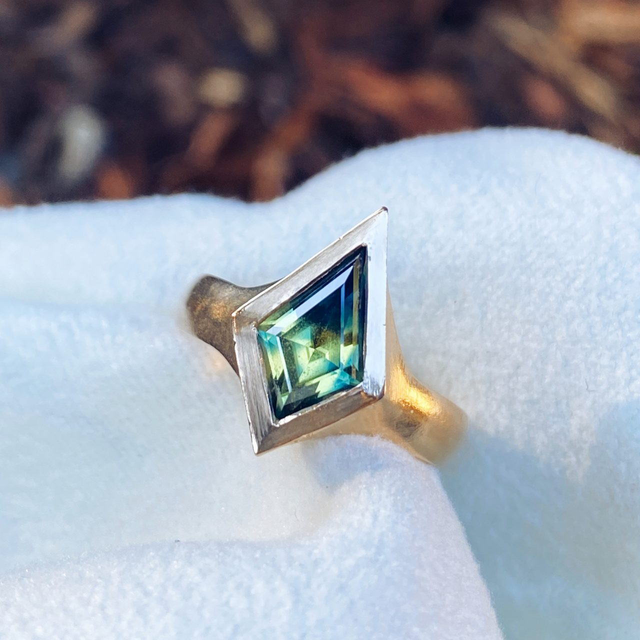 Natural Parti Sapphire | 14k Yellow Gold
